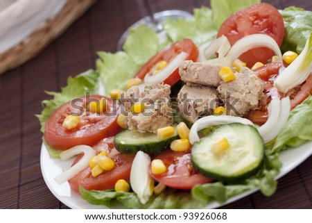 tasty tuna salad lettuce tomato cucumber onion