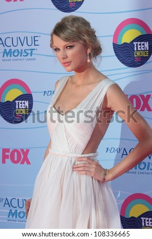 Taylor Swift at the 2012 Teen Choice Awards Arrivals, Gibson Amphitheatre, Universal City, CA 07-22-12