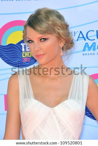 Taylor Swift at the 2012 Teen Choice Awards at the Gibson Amphitheatre, Universal City. July 23, 2012  Los Angeles, CA Picture: Paul Smith / Featureflash