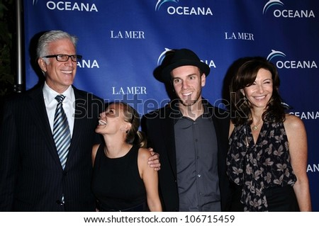 Ted Danson and Kristin Chenoweth with Charlie McDowell and Mary Steenburgen  at Oceana's 2008 Partners Award Gala. Private Residence, Pacific Palisades, CA. 10-18-08