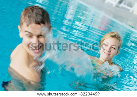 Dating programme with swimming pool