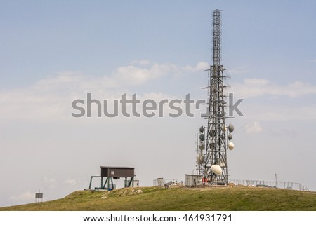 Telecommunications tower transmitte