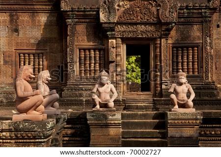 Tempel Banteay Srei in Angkor - stock photo