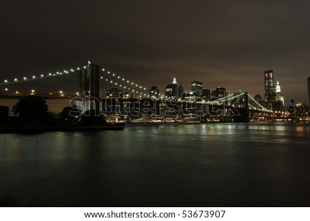 The awe inspiring skyline of Downtown Manhattan and the Brooklyn Bridge