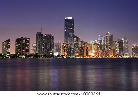 The beautiful downtown Miami skyline at dusk.