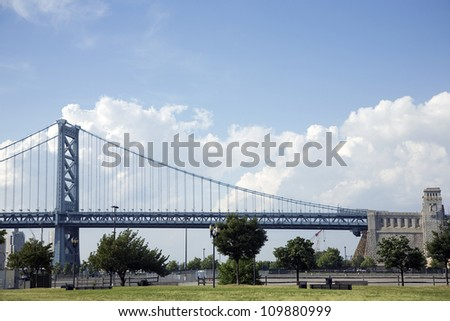 The Benjamin Franklin Bridge in Philadelphia - stock photo