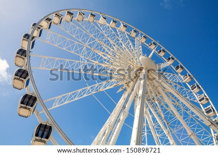 The Brighton Wheel on the seafront. Brighton, East Sussex, England