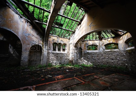 The broken roof of an church ruin in Europe