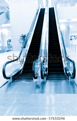 the escalator of the airport