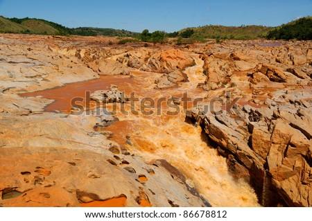 The famous Betsiboka falls on Mahajanga 's road - stock photo