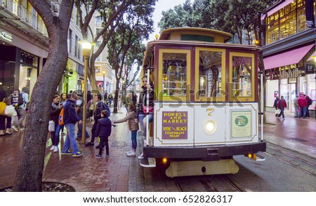 The famous Cable Car in San Francisco - SAN FRANCISCO / CALIFORNIA - APRIL 18, 2017