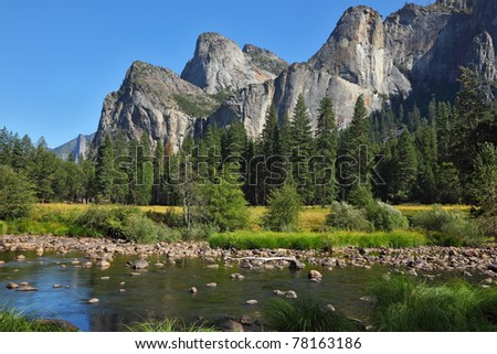 The famous valley of the Merced River in Yosemite. Fine autumn day