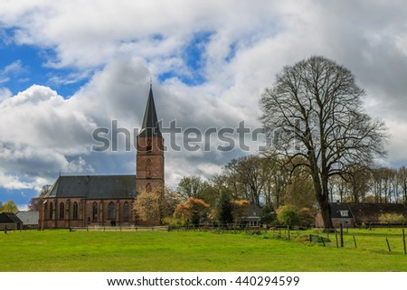 The Jacobus Church in the city of Rolde is a late medieval restored historical Church in the middle of the old village centre adjacent to pastures.