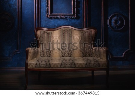 The Luxurious vintage interior with a couch
