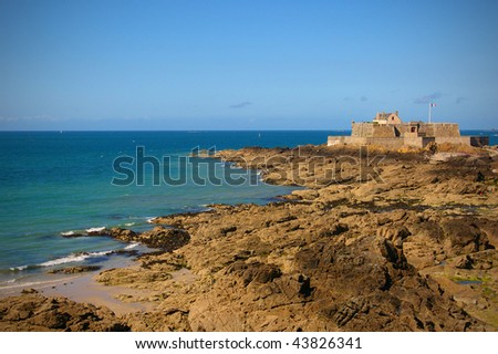 The National Fort at Saint Malo (during ebb). - stock photo