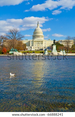 The National Mall : The Capitol and the Lincoln Memorial