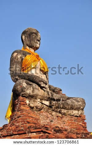 The Old Statue buddha at Ayutthaya was the old capital of Thailand