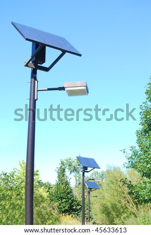 the 'parallel' solar-power lights