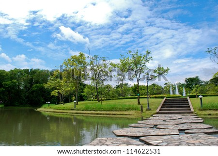 The park and water with blue sky