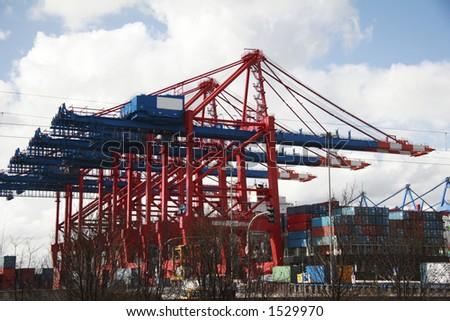The port of Hamburg is the central hub for trade with Eastern and Northern Europe. As a container port, Hamburg takes second place in Europe and seventh place in the world.