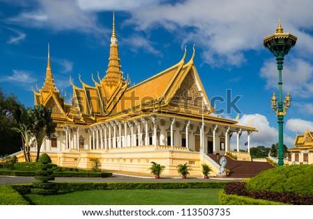 The royal palace in Cambodias capital Phnom Penh - stock photo