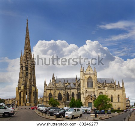 The separate bell tower and Saint Michel Basilica, Bordeaux, France, UNESCO - the Pilgrim's Road to Santiago de Compostela - stock photo