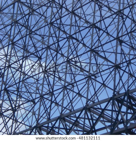 The steel structure of the complex background of the sky.
