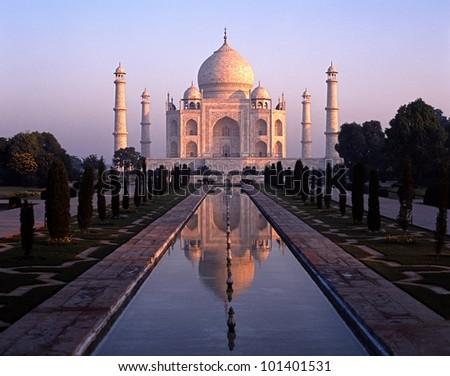 The Taj Mahal at dawn, Agra, Uttar Pradesh, India. - stock photo
