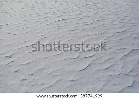 The texture of the snow.
