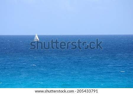 The turquoise water of Caribbean sea, Cancun, Mexico