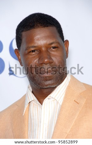 The Unit star DENNIS HAYSBERT at the CBS Summer Press Tour Stars Party at the Rose Bowl in Pasadena, CA.  July 15, 2006  Pasadena, CA  2006 Paul Smith / Featureflash