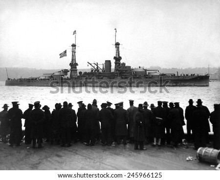 The USS Arizona passing 96th St. Pier in great naval review at New York City. Ca. 1918. - stock photo