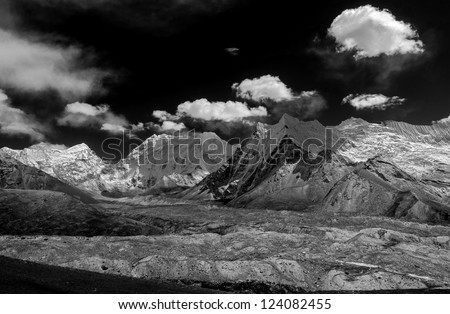 The view from the Chhukhung Ri on the Amphulapche peak and Imja Tsho - Everest region, Nepal, Himalayas (black and white)