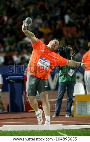 THESSALONIKI, GREECE - SEPTEMBER 12: IAAF/VTB Bank World Athletics Final 2009 Canadian Dylan Armstrong on his second try on Shot Put on September 12, 2009 in Kaftatzoglio stadium, Thessaloniki, Greece