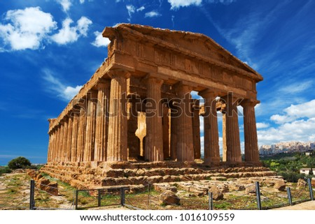 This image represent the ConcordiaTemple in Agrigento archaeological park. Sicily