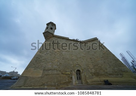 https://thumb7.shutterstock.com/display_pic_with_logo/167494286/1085848781/stock-photo-three-cities-in-malta-1085848781.jpg