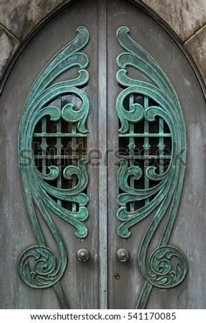 THUNDERBOLT GEORGIA - NOVEMBER 14: Mausoleum doors at the Bonaventure Cemetery on November 14 & Intricate Doors Stock Photos Royalty-Free Images \u0026 Vectors ... Pezcame.Com