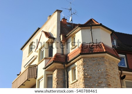 Tiled Roof with Oriel