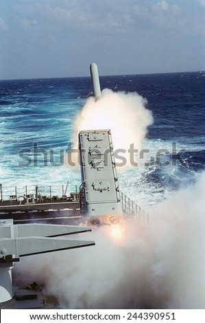 Tomahawk Missile launched toward a target in Iraq guided missile cruiser USS MISSISSIPPI during the air war phase of Operation Desert Storm. Jan.29 1991 - stock photo