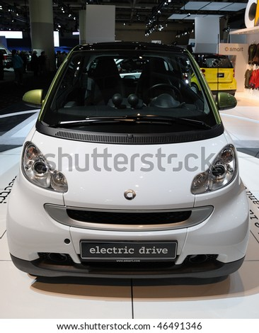 TORONTO-FEBRUARY 11: Smart Electric Drive at the 2010 Canadian International Auto Show on February 11, 2010 in Toronto