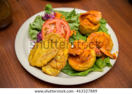 Tostones Rellenos, Crushed Fried Plantain Cups Filled with Meat