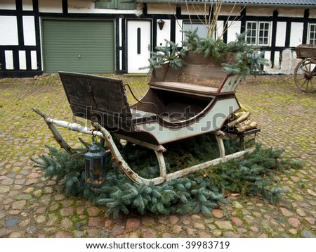Outdoor christmas santa sleigh traditional decorated santa