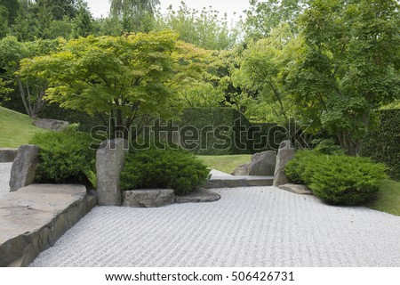 traditional Gravel Japanese Garden with hedge