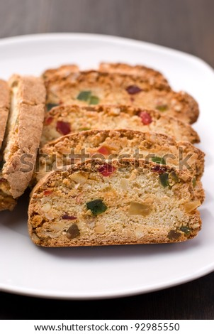 Traditional italian biscuits in a plate - stock photo