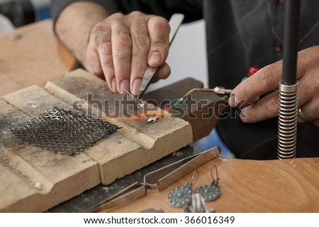 traditional method of making ancient hairpin for souvenir