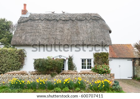 traditional old english cottage with thatched roof - Thatched Rood