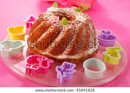 traditional ring cake with icing sugar for easter