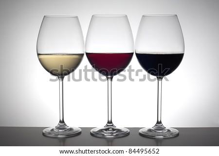 Tres copas de vino - stock photo