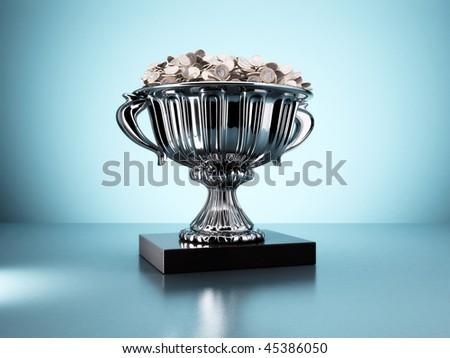 Trofeo lleno de monedas de Euro - stock photo
