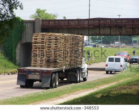 Truck transporting pallets